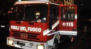 1738825_vigili_del_fuoco_di_notte_2