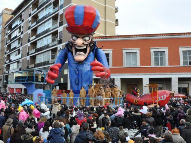 Niente carri di Carnevale, sfilata a rischio per mancanza delle certificazioni di sicurezza